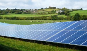 güneş enerjisi tarlası